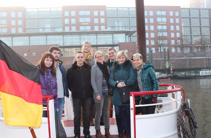 Студенты и магистранты с деканом факультета Цыганковым А.А. в образовательной поездке в Германии