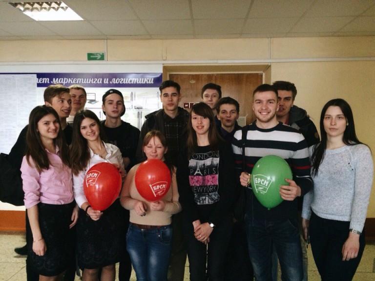 Участники акции: День меха с ФМк.